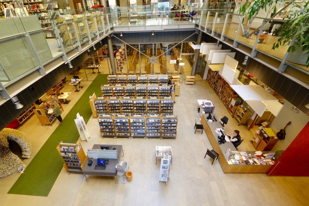 現在フィンランドで 2番目に大きい図書館「Sello」